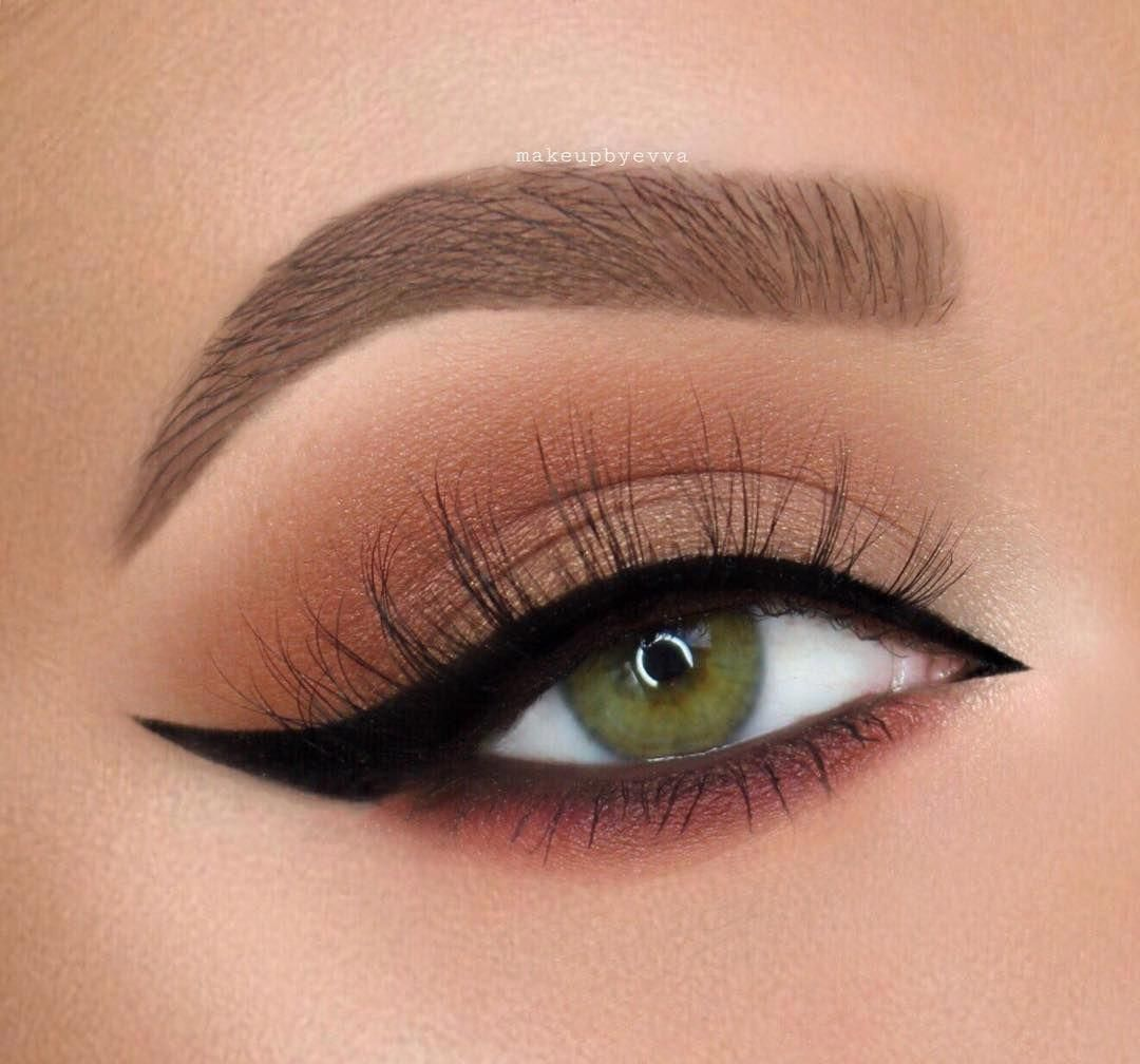 Fall Ready With This Look Makeupbyevva Anastasiabeverlyhills Soft Brown Dip Brow Pomade So Fall Eyeshadow Fall Eyeshadow Looks Senior Picture Makeup