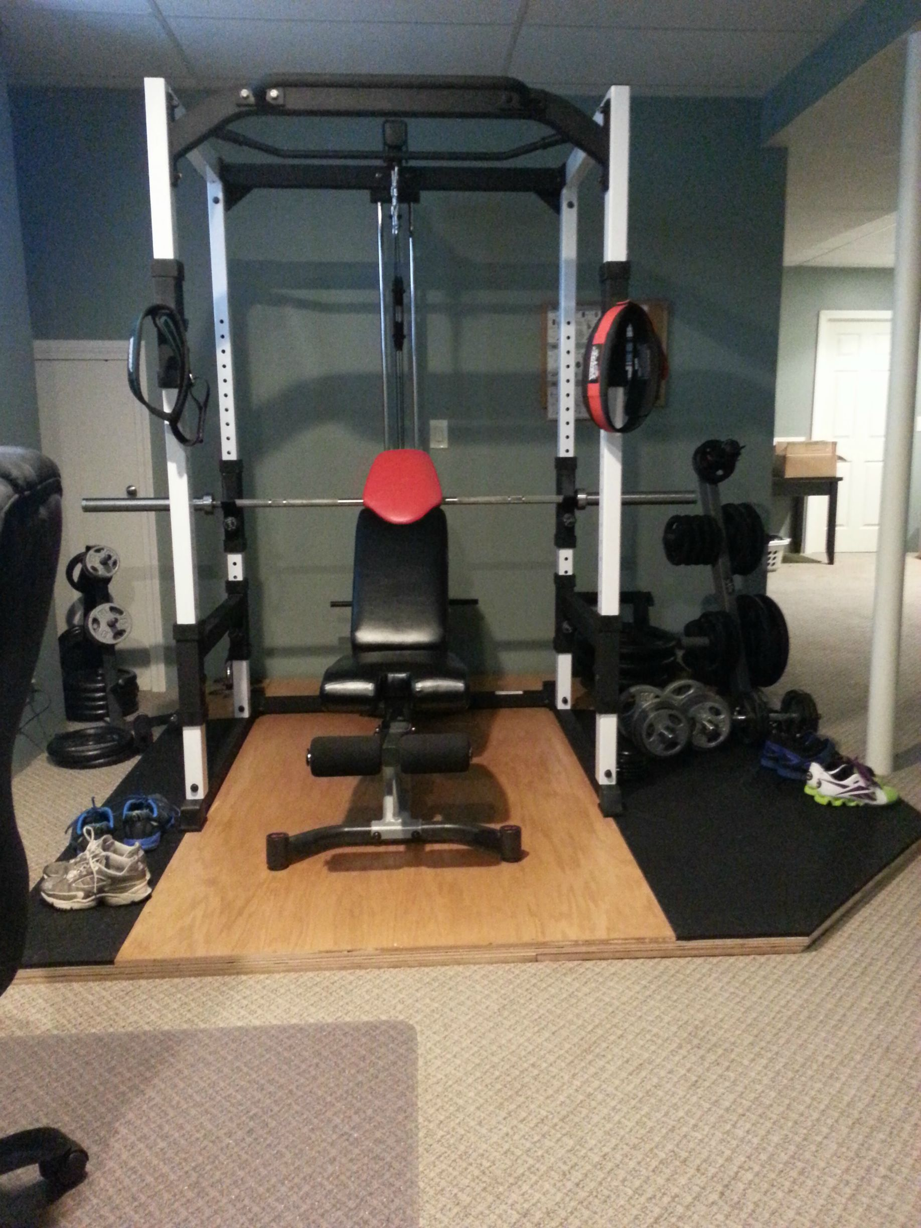 Home gym diy plywood base over carpet home gym in home