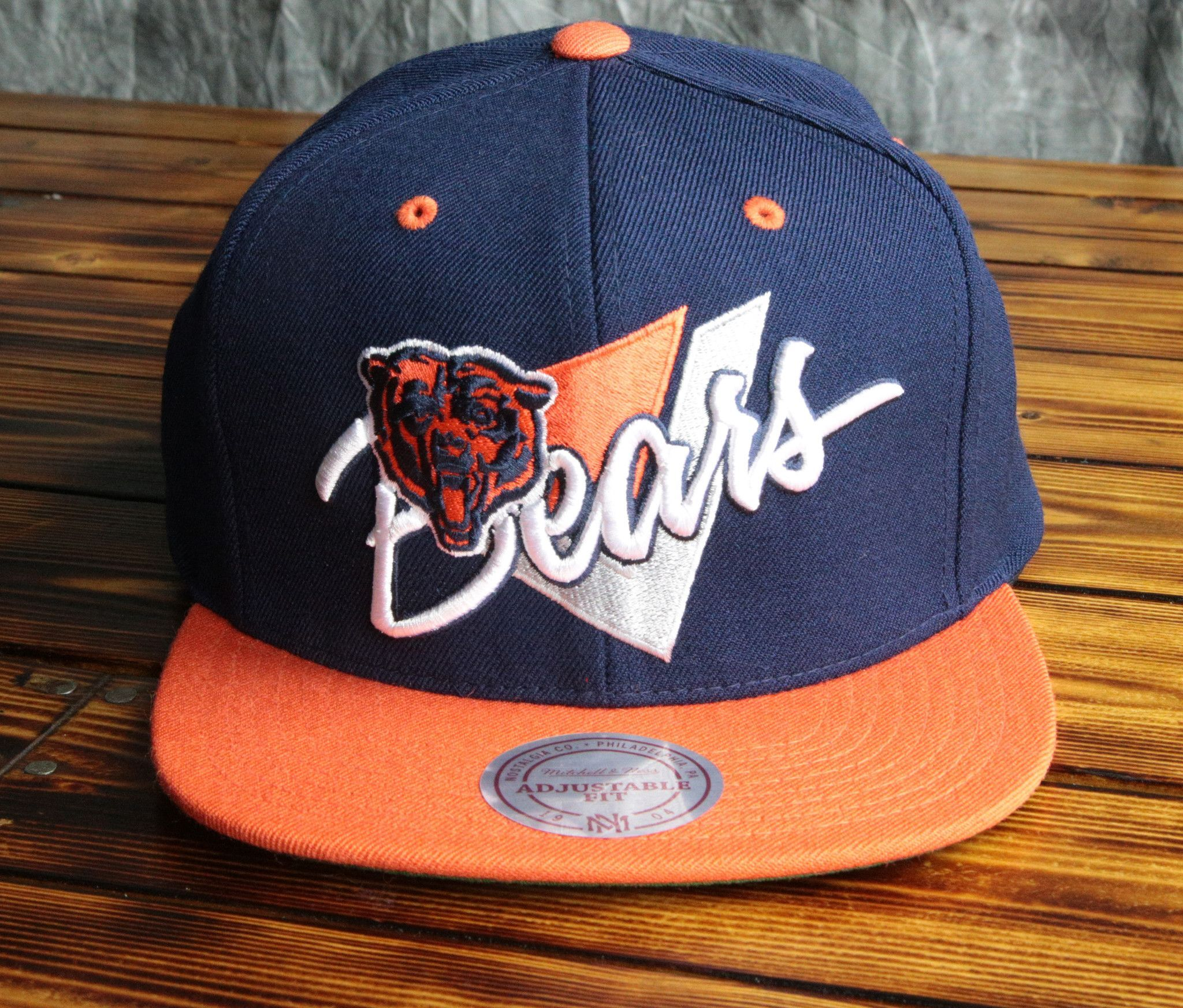 wholesale dealer 6db69 21a83 Chicago Bears Mitchell   Ness Triangle Script 2 Tone Snapback Hat