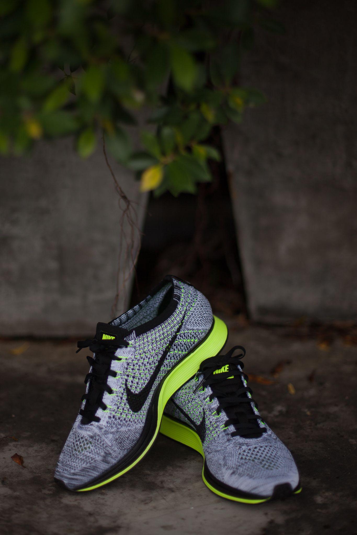 06f20363decf Nike Flyknit Racer grey black volt Nike Sweatpants
