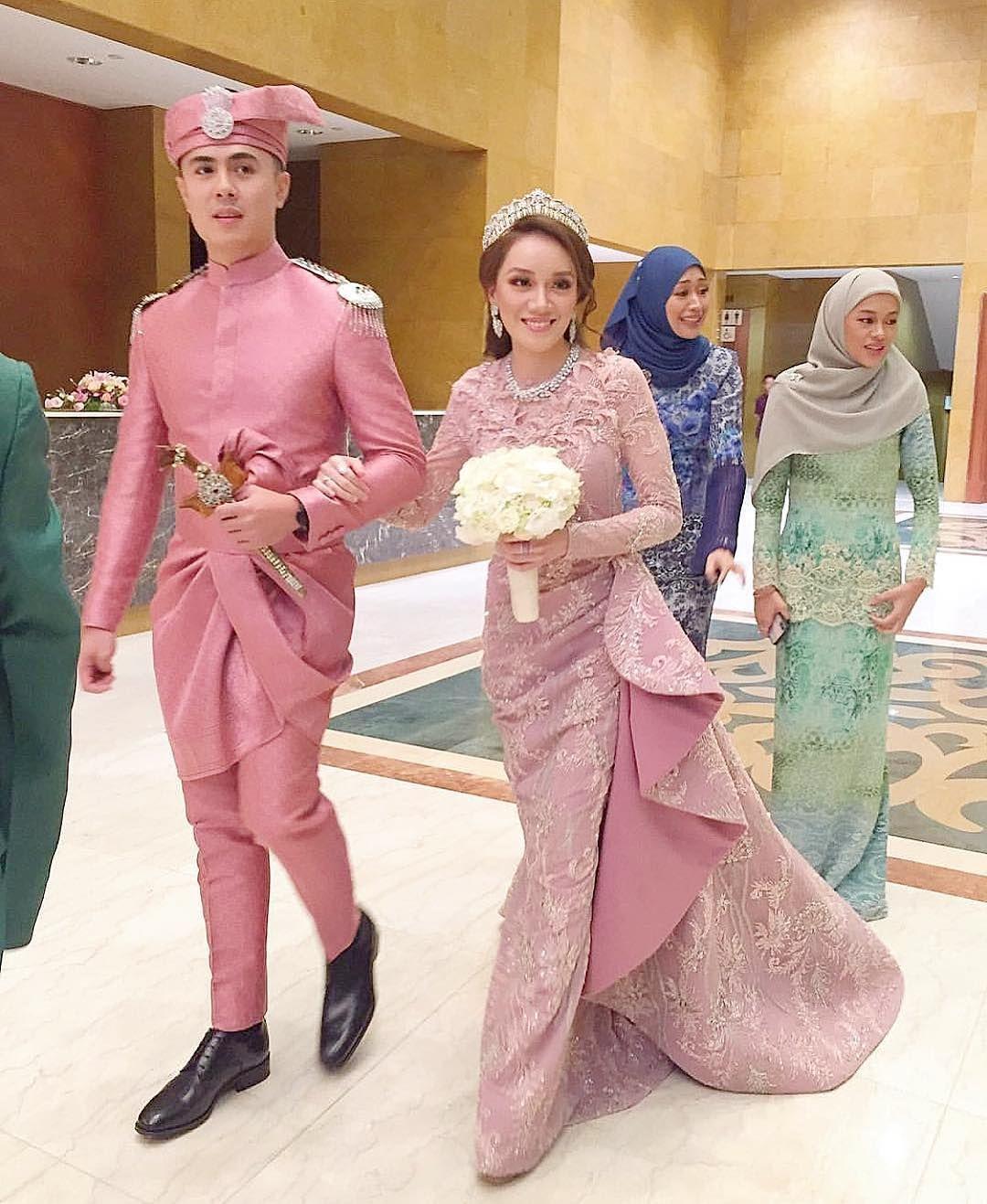 Baju Kahwin Pink Belacan