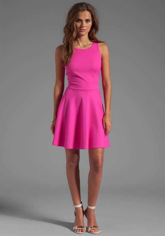 Vestidos cortos con vuelo para fiesta de día 2013 http ...