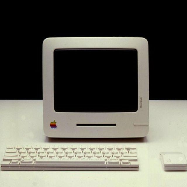 Apple Computer Frog Design 이미지 포함 컴퓨터 모니터 영감