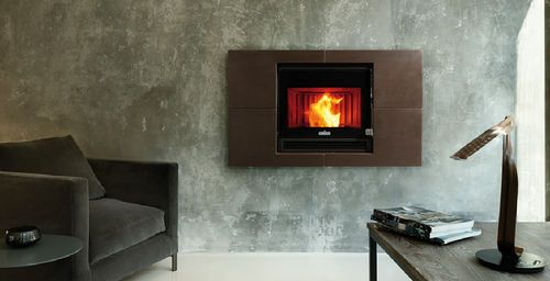 Contemporary wall mounted pellet wood stove 901 CANALIZZATO ...