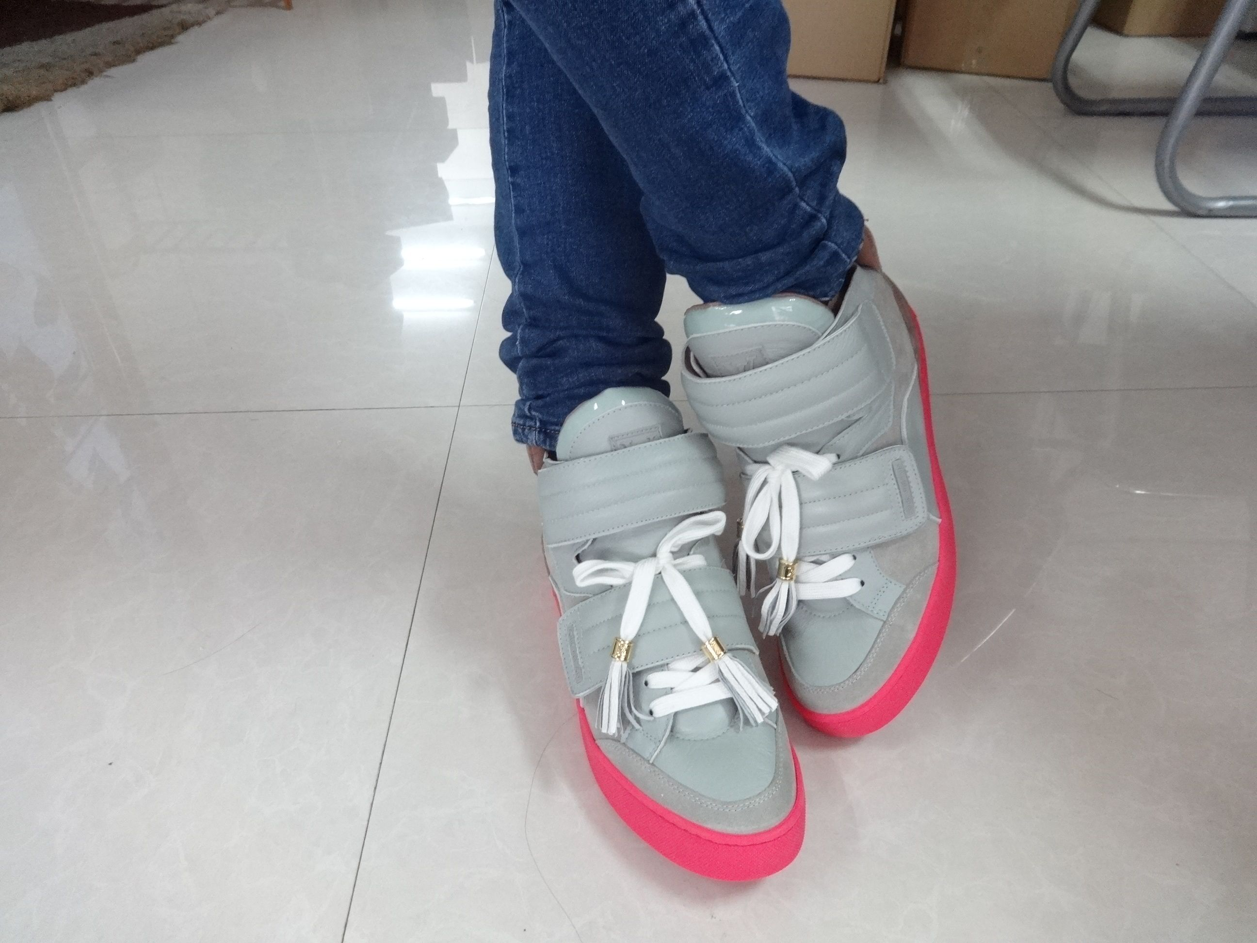 Louis Vuitton X Kanye West Jasper Amy Wears On Feet Fashion Shoes Shoe Brands Shoes