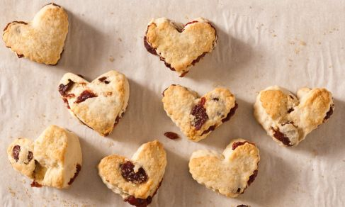 dried_cherry_scone_hearts