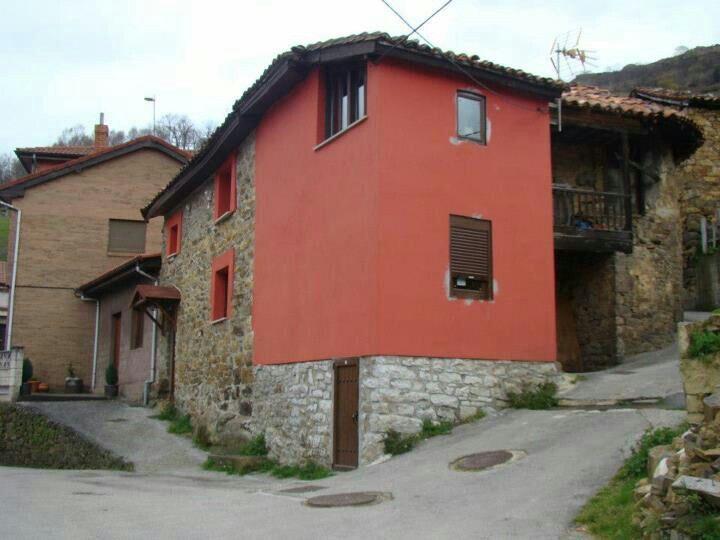 Casita de Merche y mía en Villamer (Riosa) antigua casa Celia