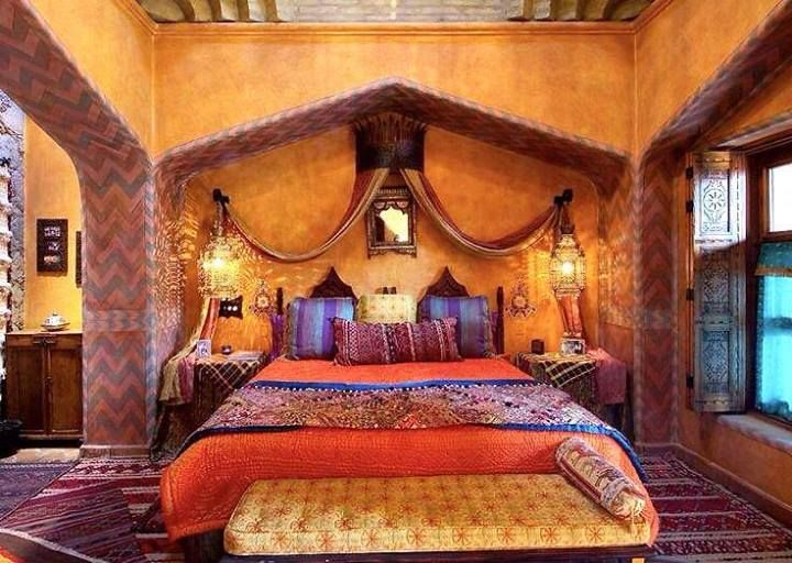 Amazing Moroccan Themed Bedroom With Lanterns And Canopy And Small Ornate  Mirror And Exotic Fabrics And Bench And Rug , Exotic Moroccan Themed Bedroom  In ... Part 76