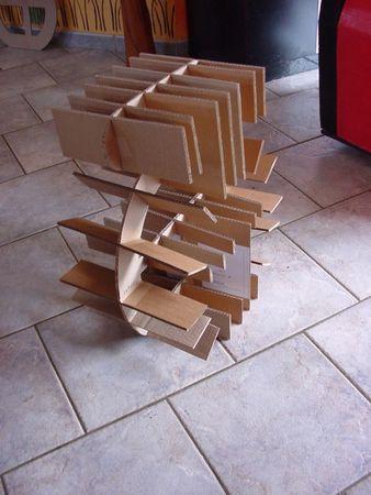 Tuto Pour Votre Premier Meuble En Carton Cocolife En 2020 Meuble En Carton Tuto Meuble En Carton Mobilier De Salon