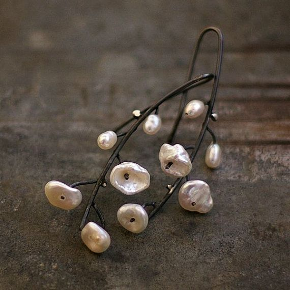 simple flower earrings, made of oxidized sterling silver (925/999) and white pearls Keishi + tiny fresh water pearls.