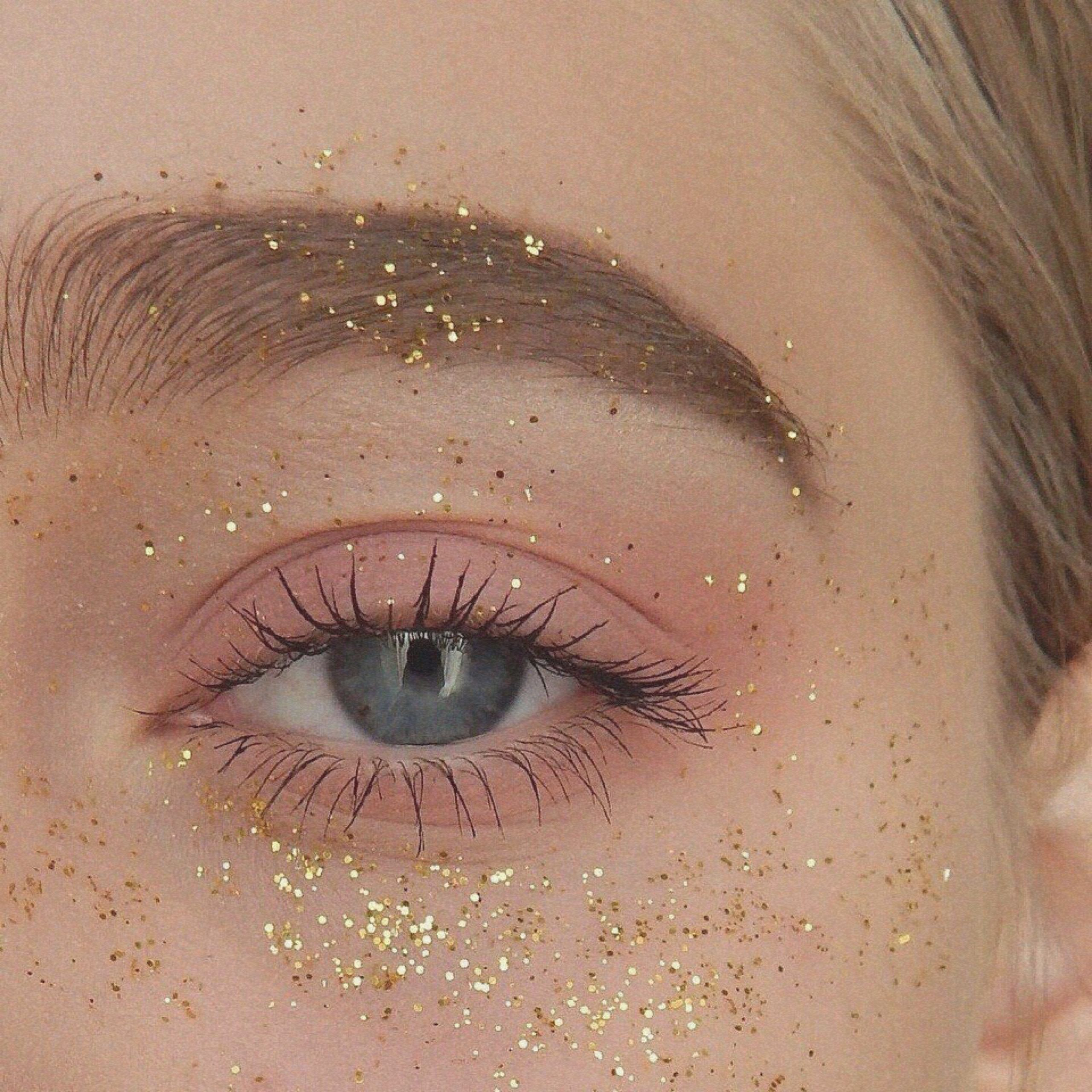 Pin by 𝑺𝒂𝒓𝒂𝒉 𝑱𝒂𝒄𝒌 on palette Aesthetic makeup, Aesthetic