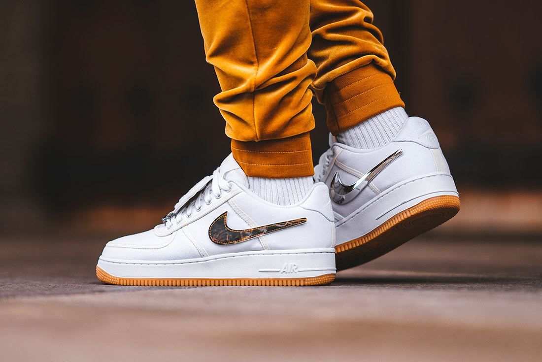 online store d2e09 701d3 Travis Scott x Nike Air Force 1