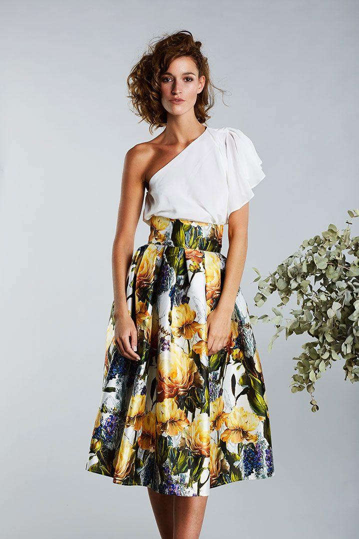 Vestidos de fiesta Matilde Cano y Mass. Catálogo colección 2017 - Vestidos  de fiesta cortos 500b661e60a9