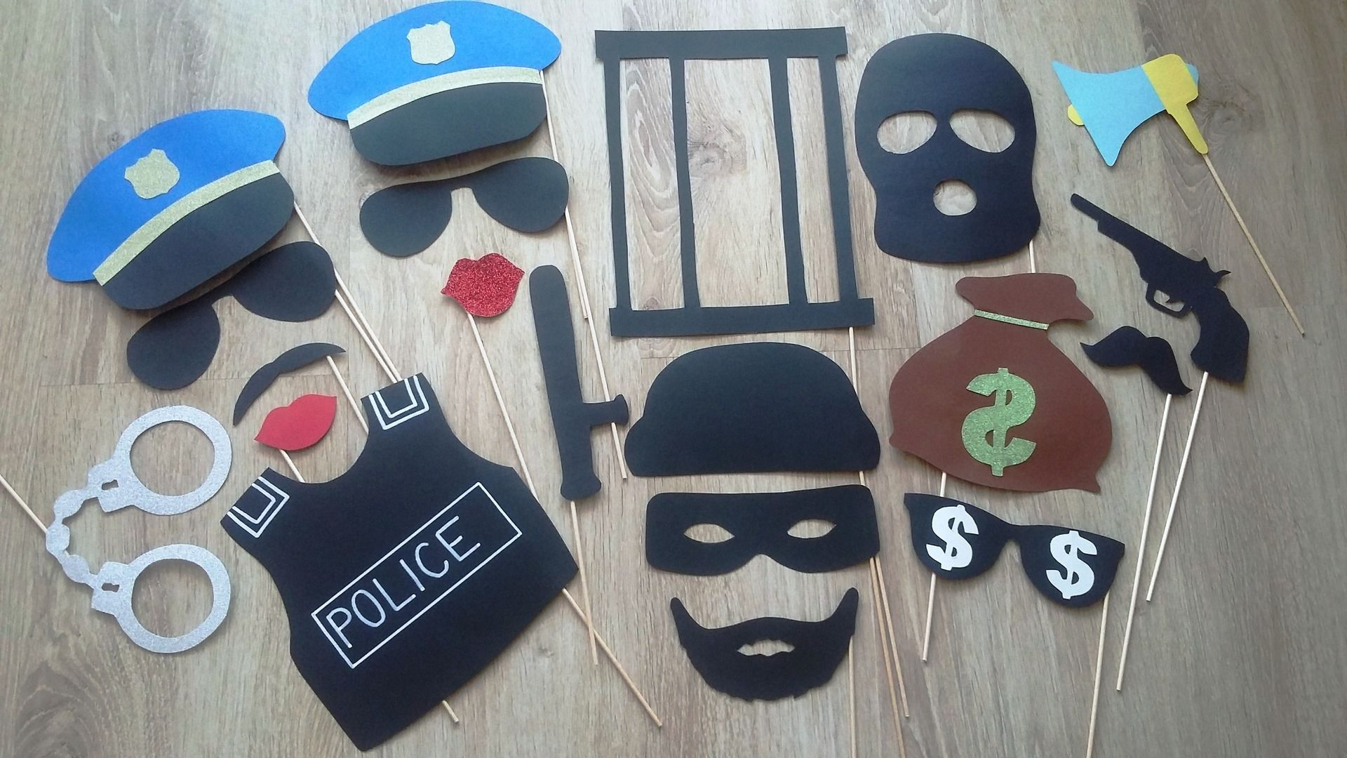 accessoires photobooth x20 th me police mariage. Black Bedroom Furniture Sets. Home Design Ideas