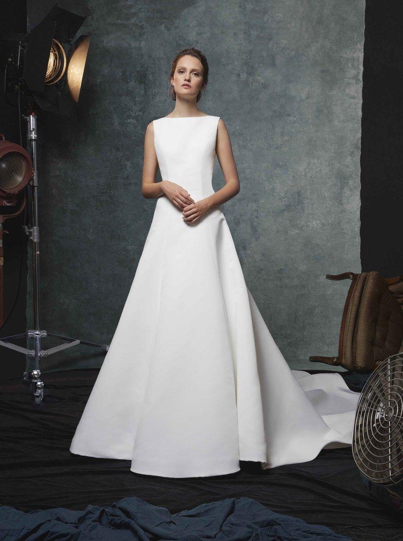 Amare Couture Spring 2017 Wedding Dresses The Elizabeth Collection Wedding Inspirasi Bateau Wedding Dress Long Train Wedding Dress Fitted Wedding Dress [ 1326 x 900 Pixel ]