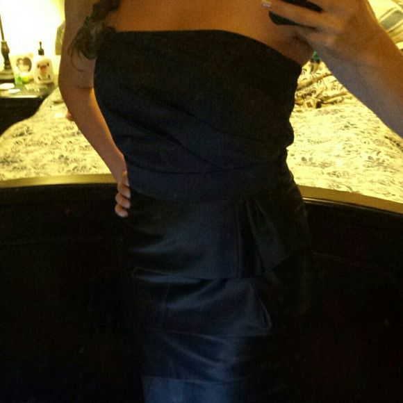 Beautiful strapless black dress Worn once to a wedding. Really well structured and flattering. White House Black Market Dresses
