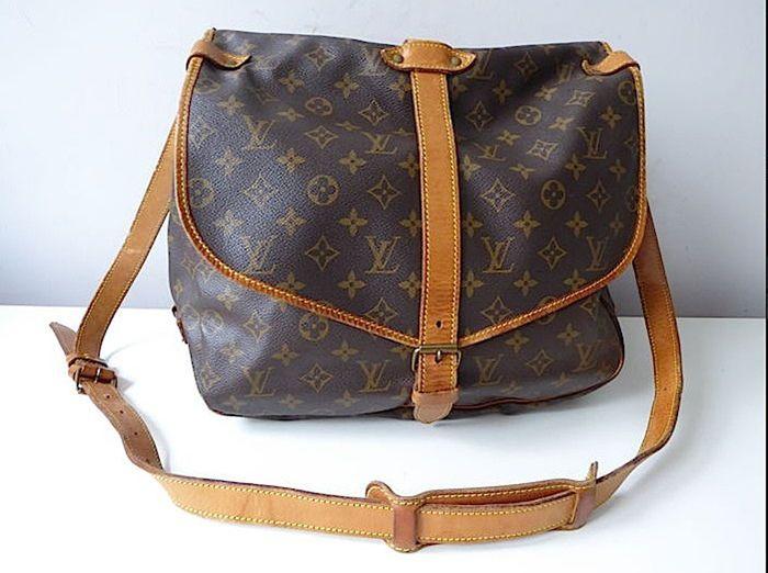 7b7ea09822 Catawiki, pagina di aste on line Louis Vuitton - Saumur 35 GM - Crossody  bags