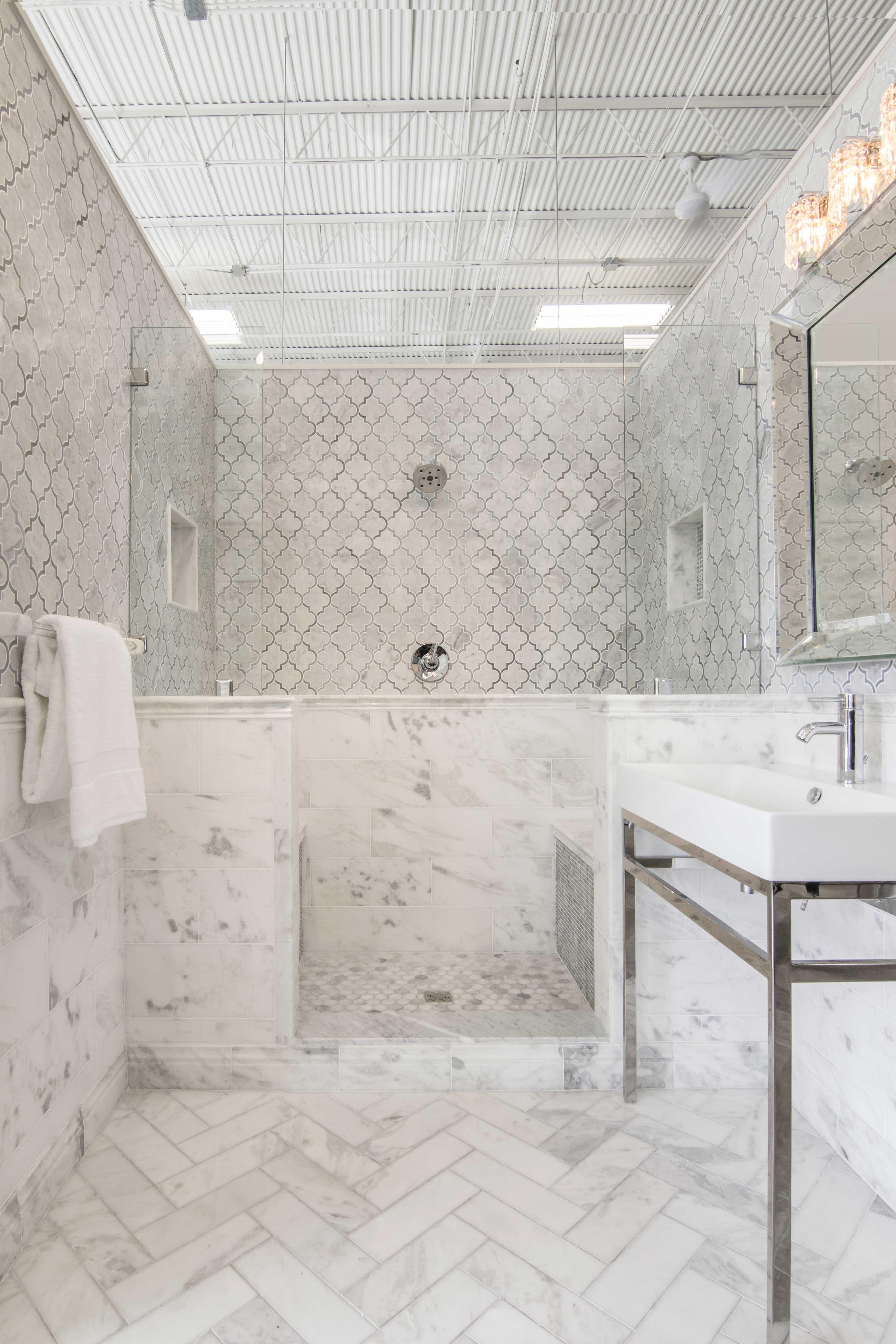 White Bathroom Tile Tempesta Neve Polished Marble Subway Tile Carrera Marble Bathroom Bathroom Design Marble Bathroom Floor