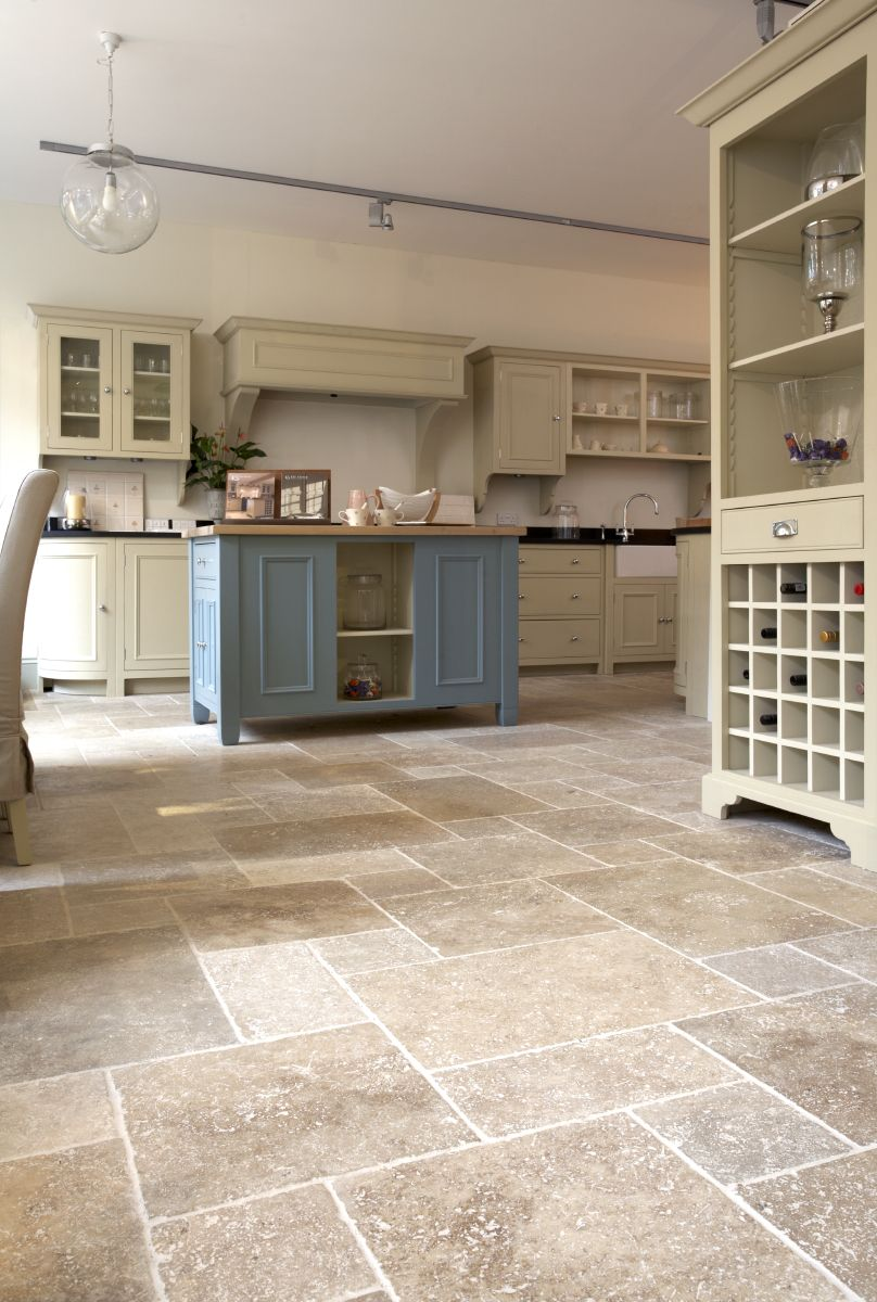 Antonio Travertine In Tumbled Finish From Our Ca Pietra Collection Available In Moroccan Pattern 50 X R Vinyl Flooring Kitchen House Flooring Kitchen Flooring