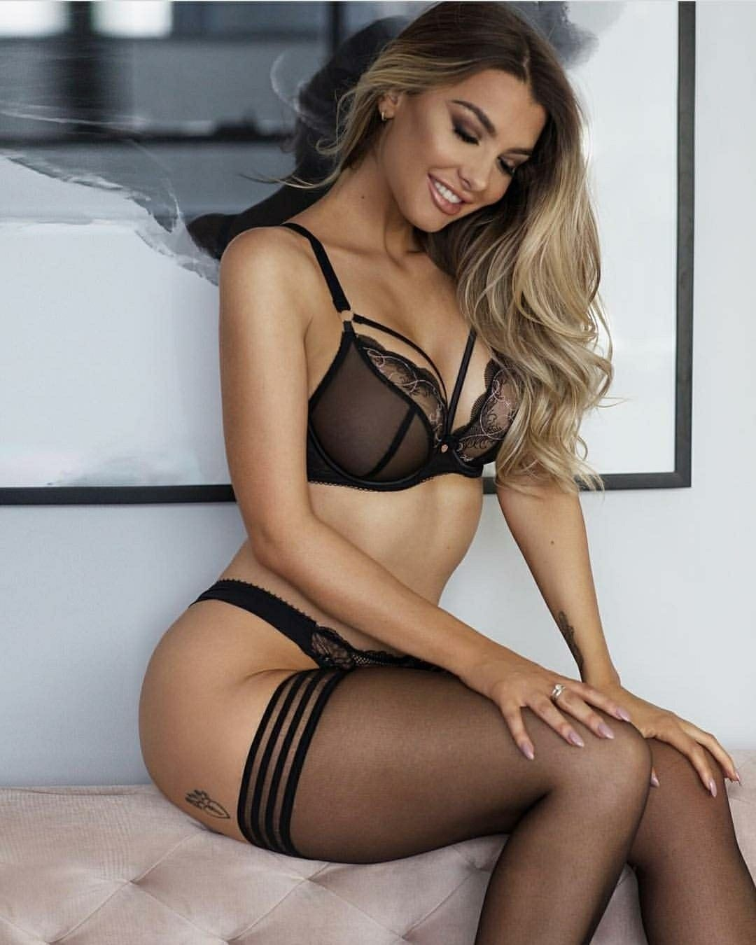 3f4528831323 Emily Sears. Sensualidad en lencería negra | Honeys | Emily sears ...