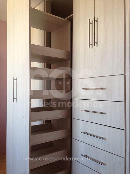 Cl set moderno blanco de madera con puerta corrediza dise a con nos m xico closetsmodernos - Disena tu armario ...