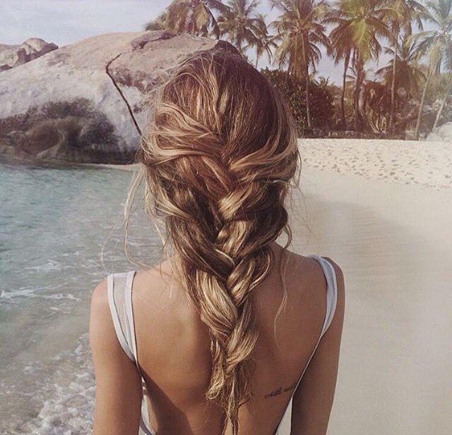 Bilderesultat for summer braid on beach