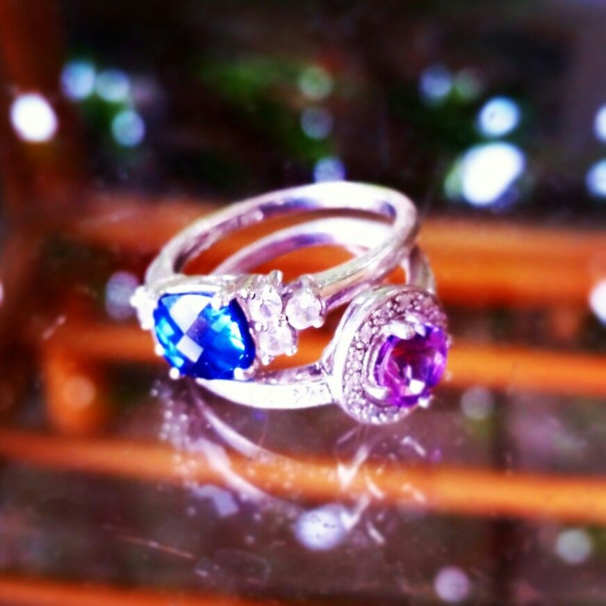 White gold amethyst saphire rings