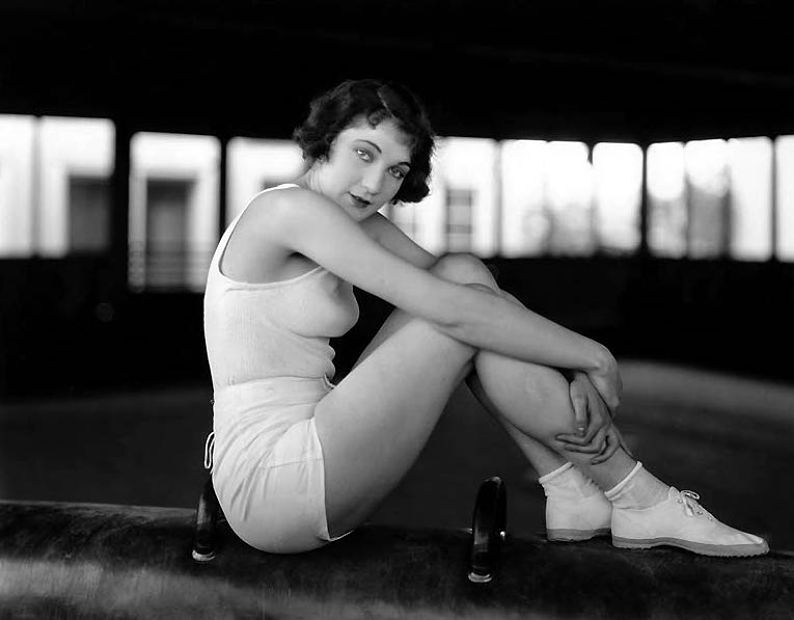 A Certain Cinema Galleries Keeping In Shape Flapper Style Dorothy 1920s Flapper