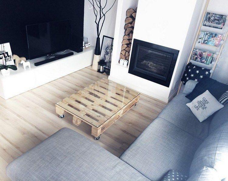 couchtisch aus palette mit glasplatte und rollen im wohnzimmer m bel aus europaletten. Black Bedroom Furniture Sets. Home Design Ideas