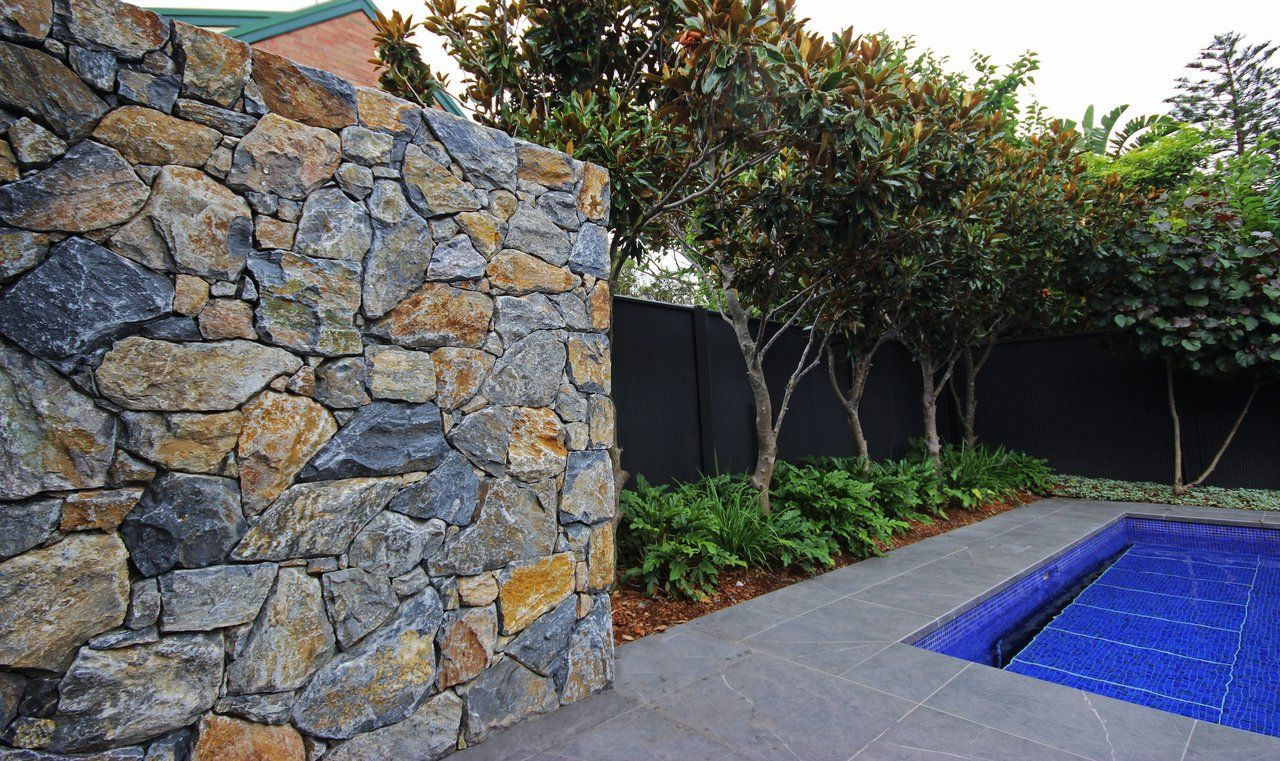 Pin by Jo Russell on pool fence unit | Landscape ...