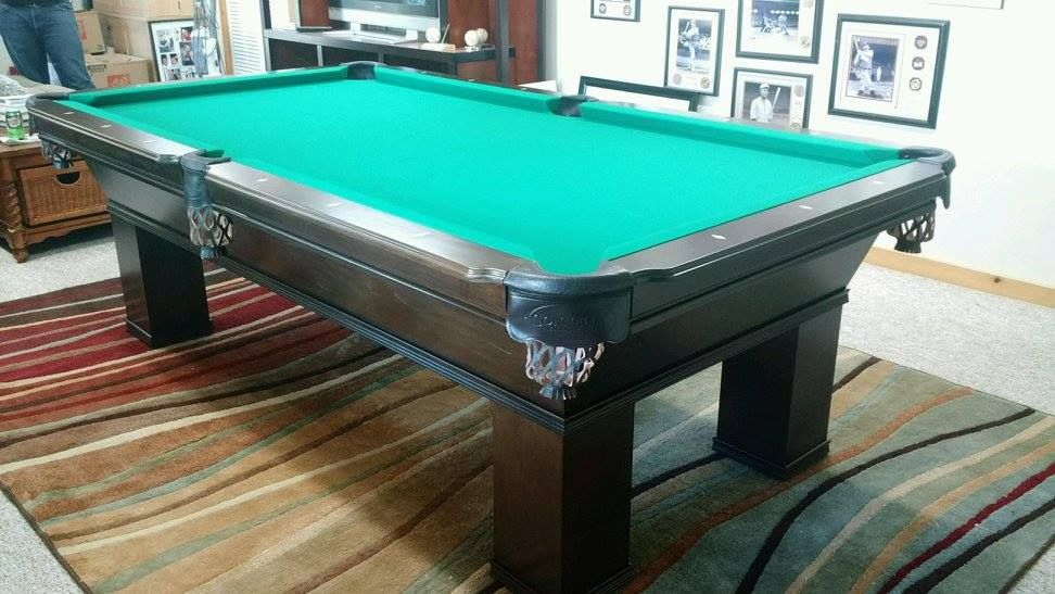 Connelly Ventanna Pool Table Shown Here In Dark On Maple Stain With Black Shield Pockets The Ventanna And All Other Connell Maple Stain Pool Table Pool Halls
