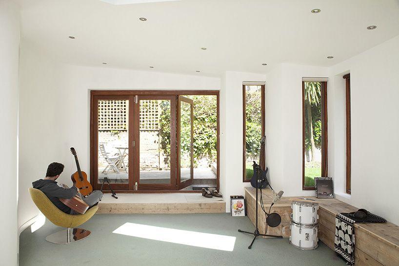 Garden Studio By Scenario Architecture Blends Into Background With Images Garden Studio Interior Architecture Design Home Living Room