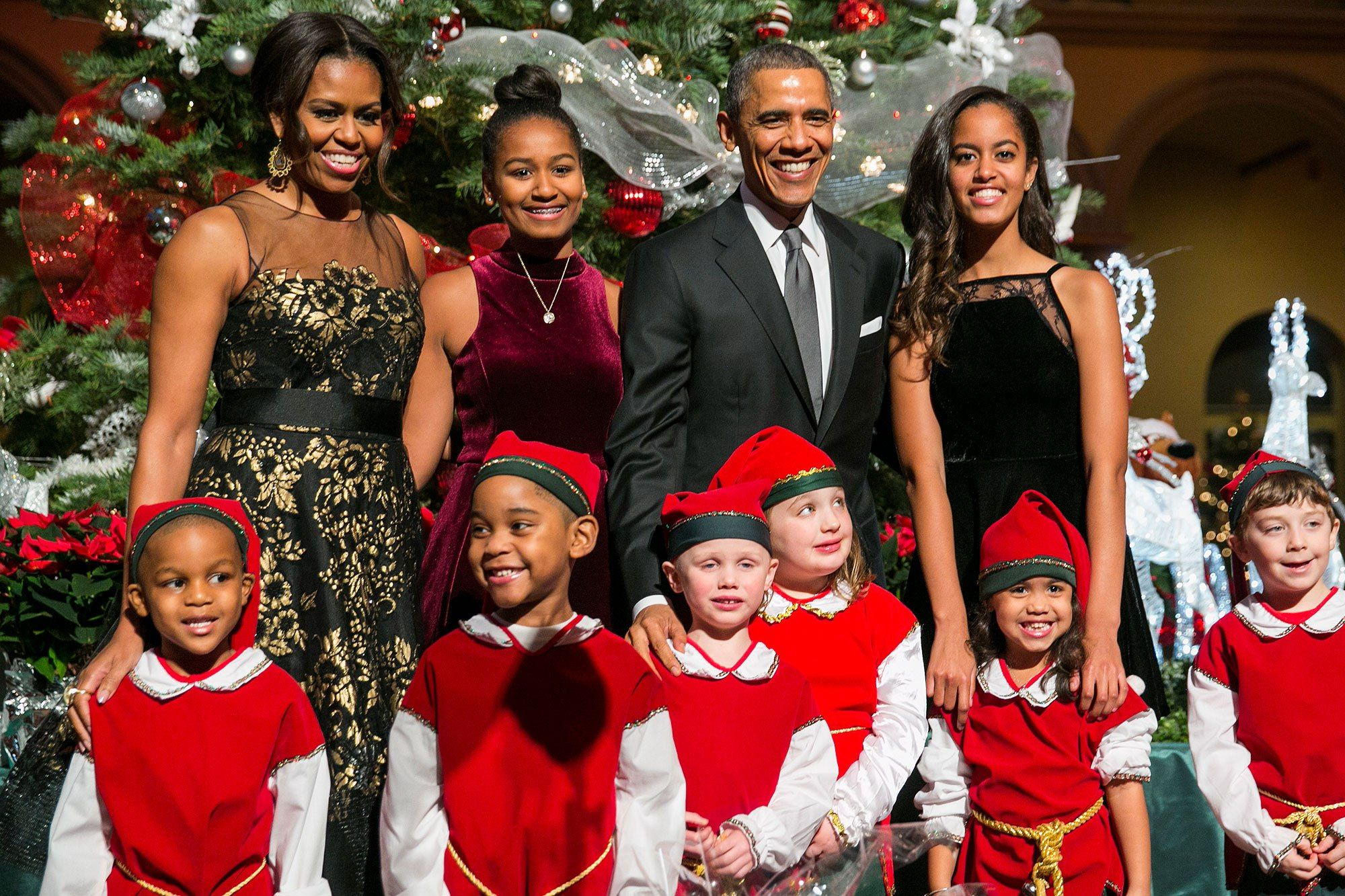 Malia and Sasha Sparkle in the Obama Family\'s New Christmas Card ...