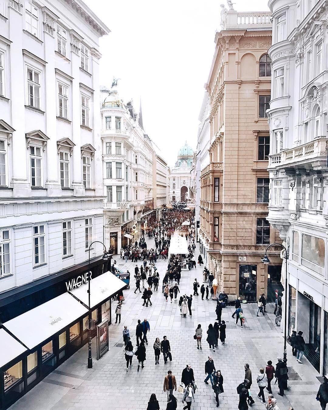 Vienna Austria A Dream Destination For Any Classical Music Fan Getguilded Wien Architektur Osterreich Urlaub Reisen