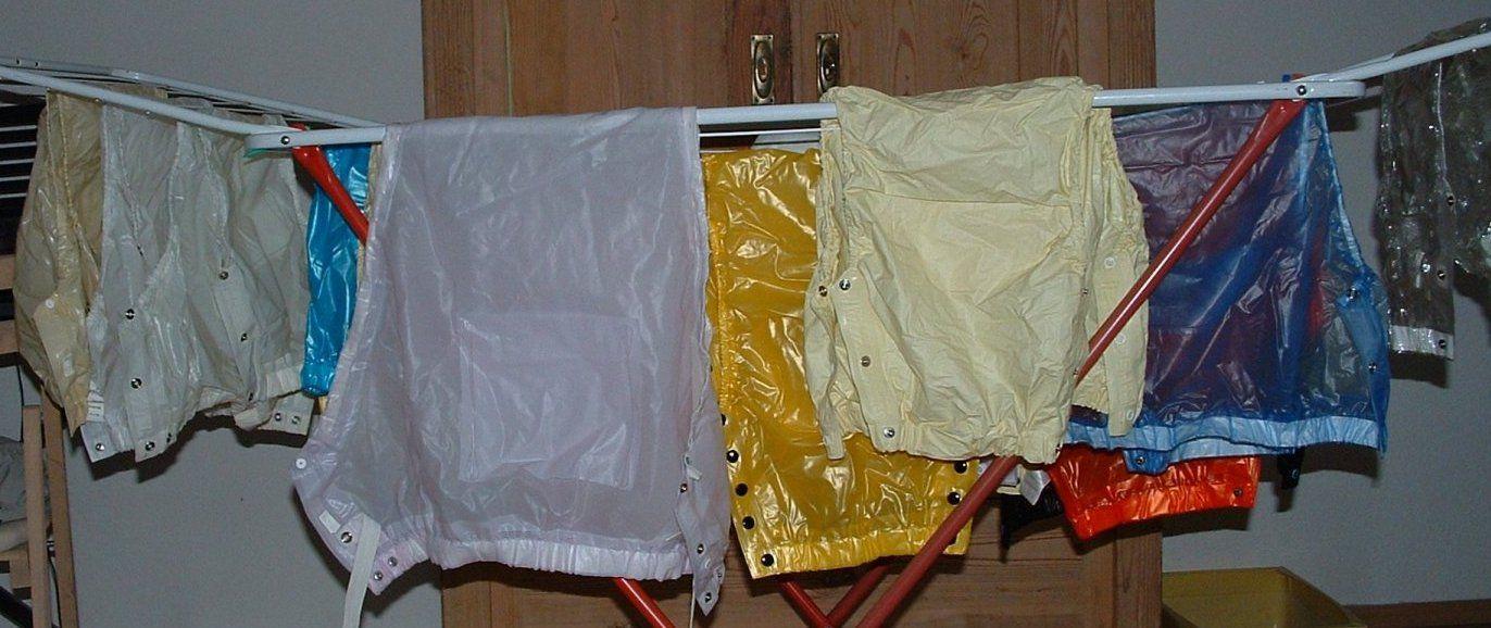auch gerne alle gummihosen zum waschen dann h ngen an die. Black Bedroom Furniture Sets. Home Design Ideas