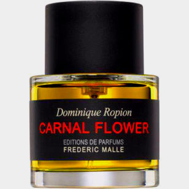 The muse for this perfume was Frederic Malle's aunt, famous actress Candice Bergen, who acted in the movie Carnal Knowledge with Jack Nicholsonom. The top notes contain: bergamot, melon and eucalyptus. The middle notes include: ylang-ylang, jasmine, tuberose, Salicylates (natural, toxic product of herbal origin, a sort of a herbal feromone which is used by plants as a warning). The base encompasses: tuberose absolute, orange blossom absolute, coconut and musk.