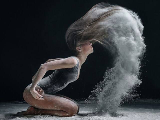 from 3dfirstaid visual architecture on facebook - The Explosive Movements of Classical Dancers by Alexander Yakovlev -