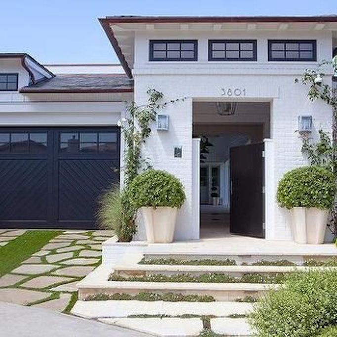 10 Beautiful Black + White ExteriorsBECKI OWENS is part of home Inspiration Exterior - Ten beautiful home exterior inspirations proving that the classic color combination of black and white is chic and timeless
