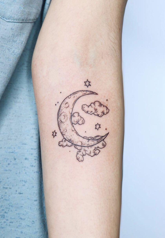 19++ Amazing Simple moon tattoo designs ideas