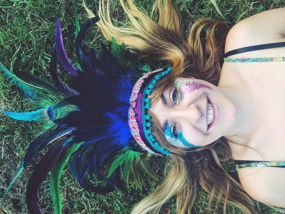 dulcie's feathers, festival, glitter, face paint, festival style,