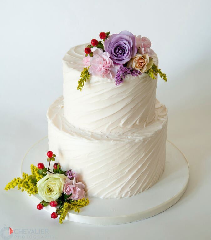 Wedding cakes simple 2 tier buttercream