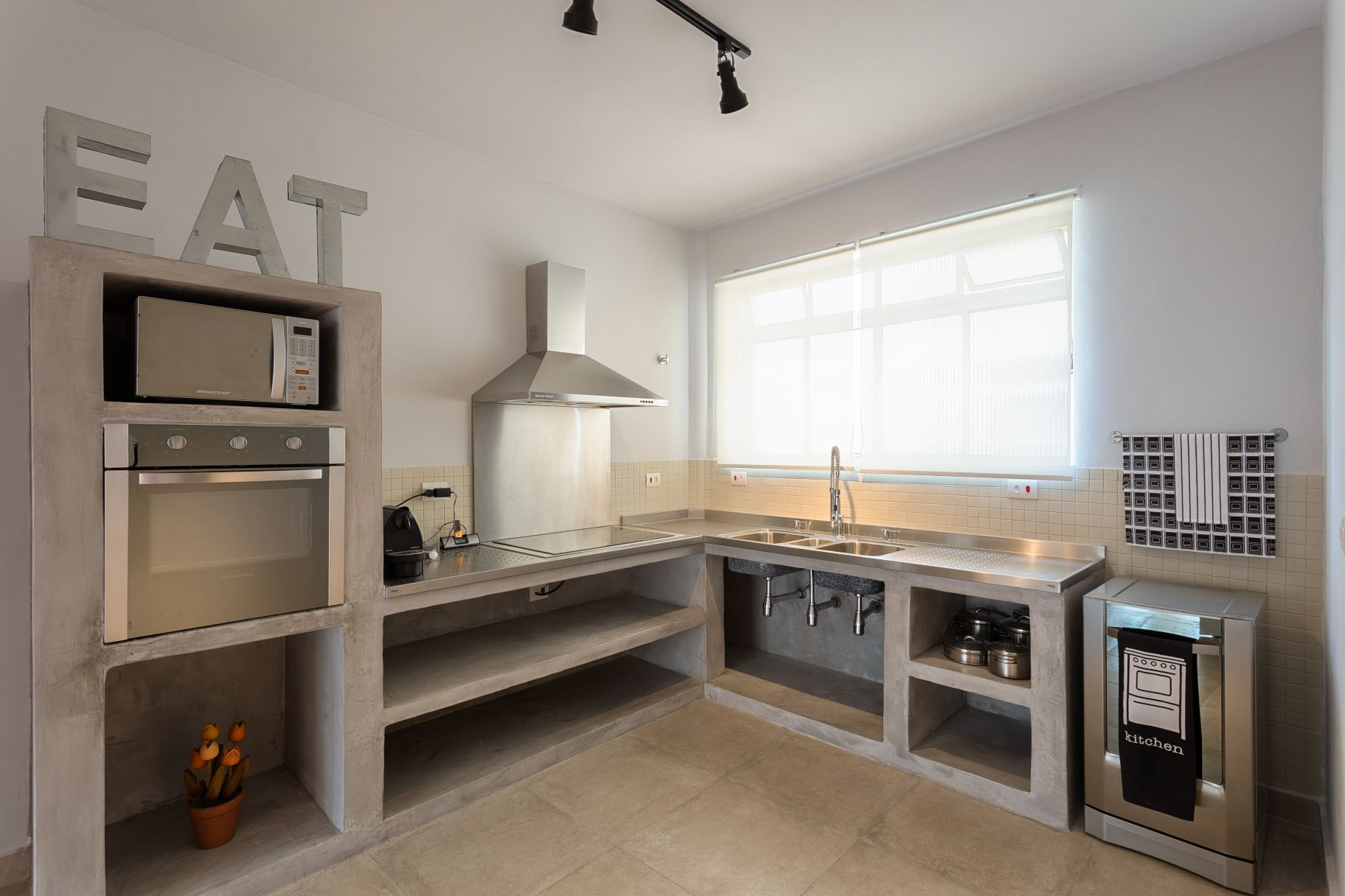 Planned Kitchen Made With Masonry And Burnt Cement Stainless
