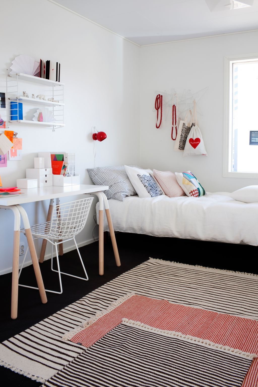 Idées déco ] Superposer des tapis  Deco chambre, Décoration