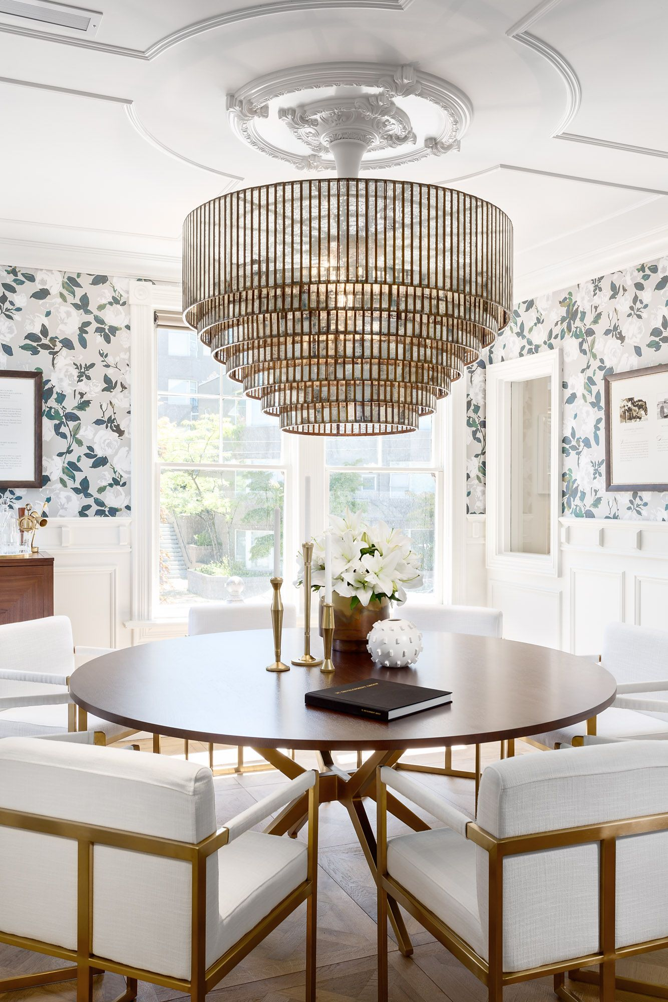 Traditional Wallpaper And Moldings With High Fashion Furnishings Love Karin Bohn Ceiling Design