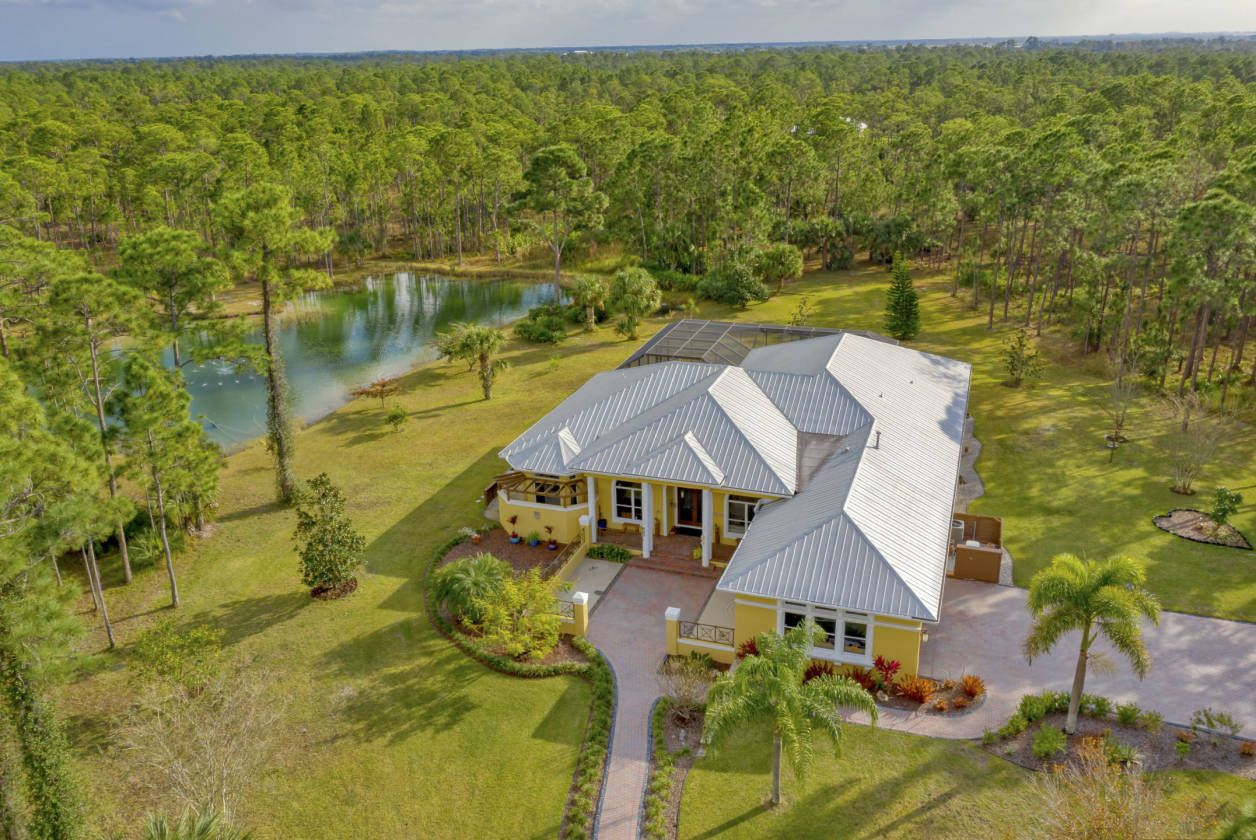 Equestrian Estate For Sale in Indian River County