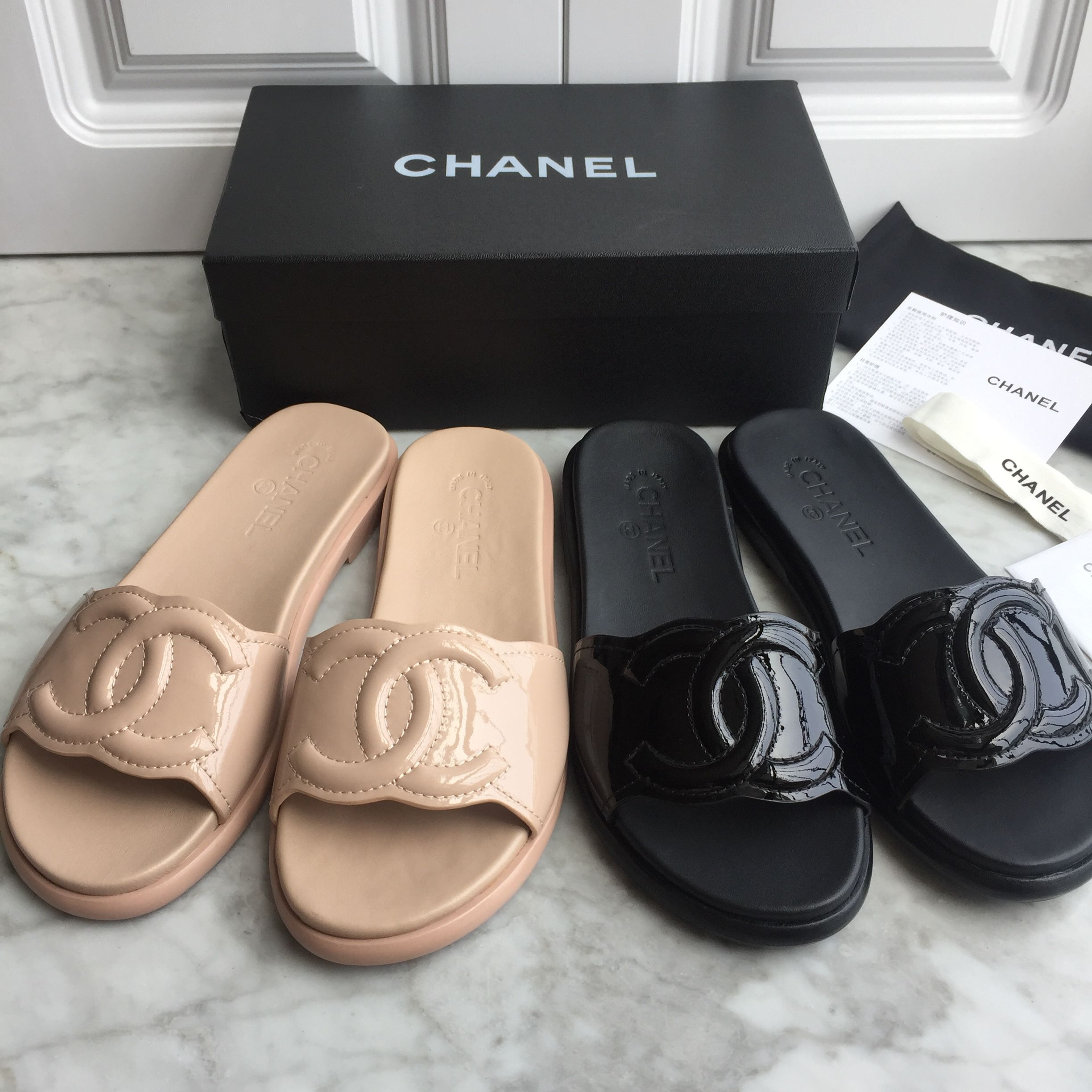 32d6ae10f45a2b Chanel woman shoes patent leather slippers slides