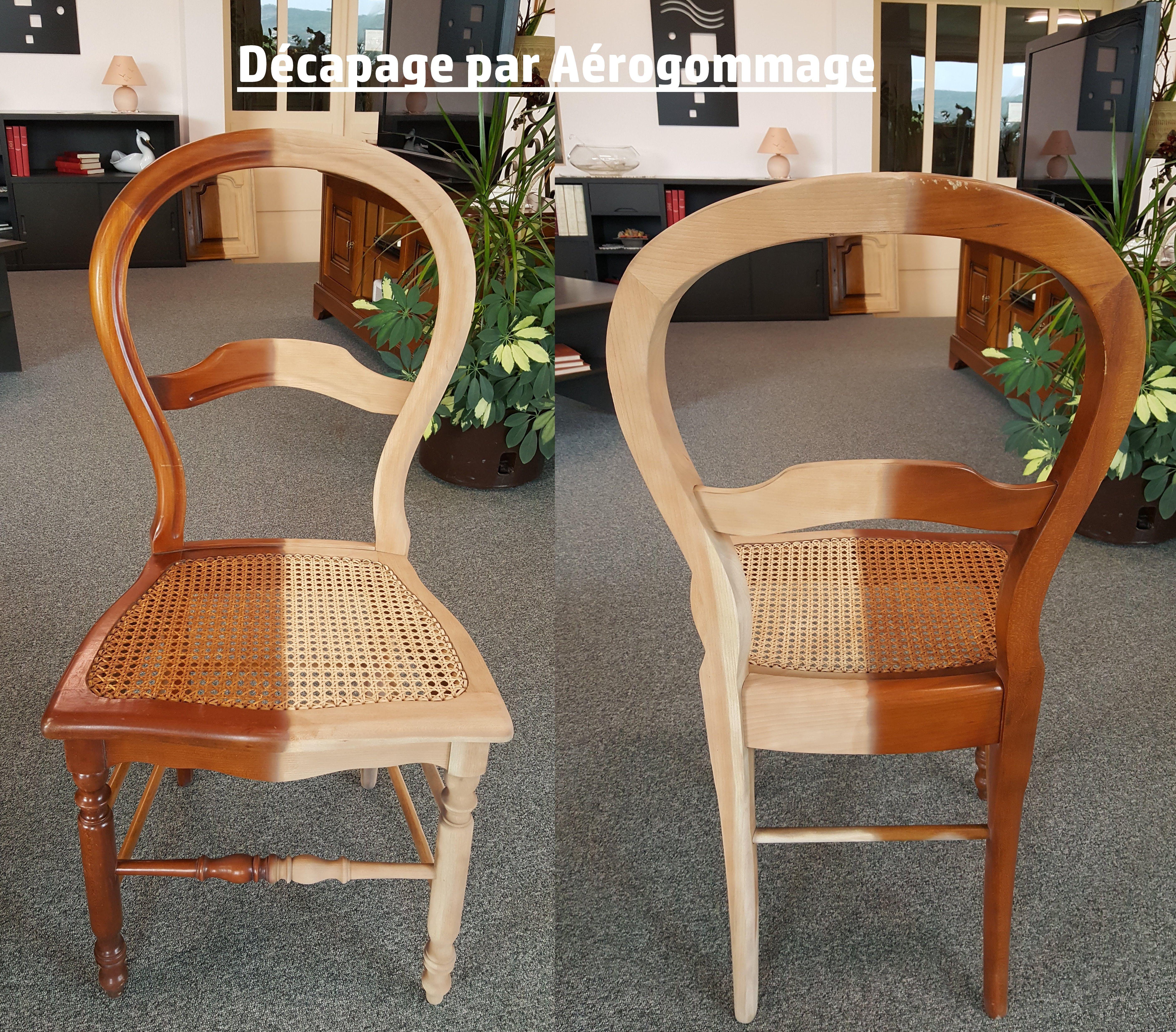 Decapage Par Aerogommage De La Moitie D Une Chaise En Bois Mobilier De Salon Chaise Salle A Manger Chaises Bois