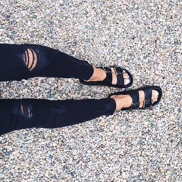 like the sandals with skinny jeans .. was thinking about this for work but i doubt i could run in those!