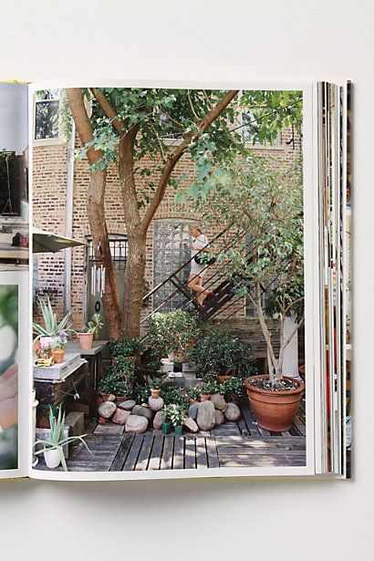 Beautiful and great ideas for city living   Urban backyard ...
