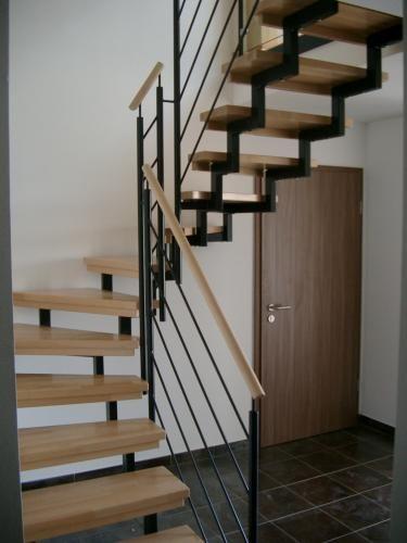 clic pour agrandir combles pinterest escalier demi. Black Bedroom Furniture Sets. Home Design Ideas
